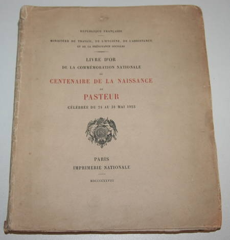 Photo livre n°1. . Livre d'or de la commémoration