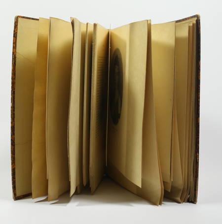 Le panthéon des comédiens. De Molière à Coquelin aîné - 1922 - 1/50 Japon - Photo 0 - livre du XXe siècle